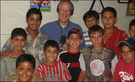 Hugh Sykes with Iraqi football fans at Cafe Arabia, Baghdad