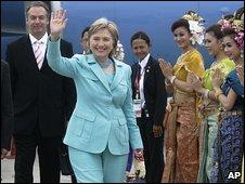 Hillary Clinton arrives in Phuket (22.7.09)
