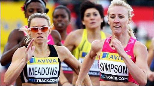Jemma Simpson (right) wins the 800m