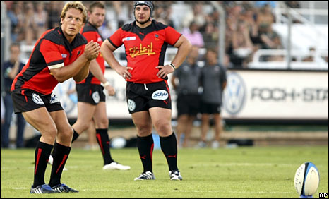Jonny Wilkinson had not played for 10 months after dislocating his knee cap