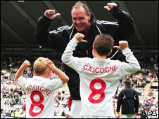Paul Gascoigne with his nephews Joe and Cameron