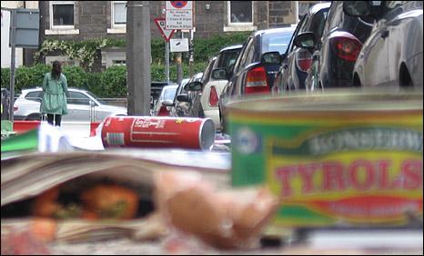 Rubbish in Dalmeny Street (Pic: John Easton)