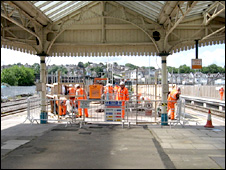 Work on Newport's platform 3