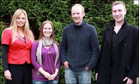 (chwith i'r dde) Zoe Morag Pettinger, Meggan Lloyd Prys, John Burton a Dominic Gilbert