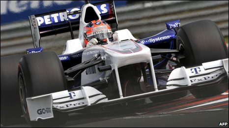 "BMW Sauber""s Robert Kubica drives at the Hungaroring racetrack on 25 July 2009"