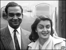 Gayatri Devi, with her husband, the Maharajah of Jaipur, at a London airport in 1956