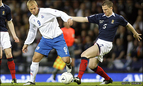 Scotland's Gary Caldwell in action during April's World Cup qualifying match against Iceland