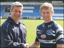 Coach Daryl Powell (l) with Kyle Briggs