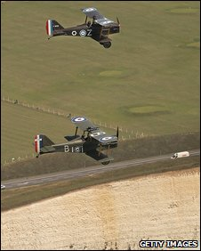 Replica WWI aircraft fly over the south coast