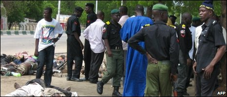 Police officers outside Maiduguri 29/07