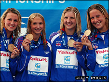 Joanne Jackson (R), Jazmin Carlin (L), Caitlin Mcclatchey (2ndL) and Rebecca Adlington (2ndR) of Great Britain