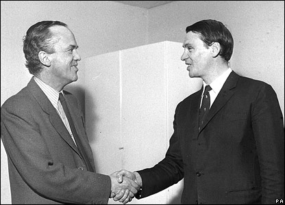 Sir Bobby Robson joins Ipswich Town