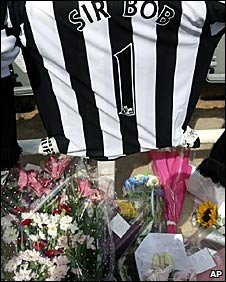 Floral tributes at St James's Park
