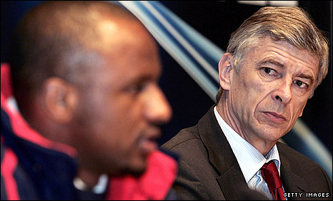 Arsenal manager Arsene Wenger (right) with former skipper Patrick Vieira in 2005