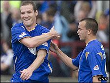 Kenny Deuchar celebrates the second St Johnstone goal