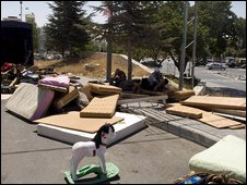 The families' belongings were put on the street - 2/08/09