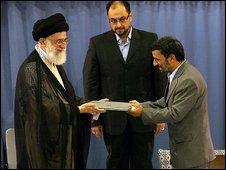Ayatollah Khamenei (l) and President Mahmoud Ahmadinejad