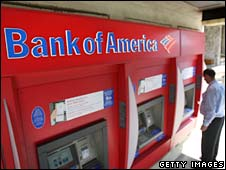 A man uses a cashpoint at a Bank of America branch in Pasadena, California. Photo: July 2009