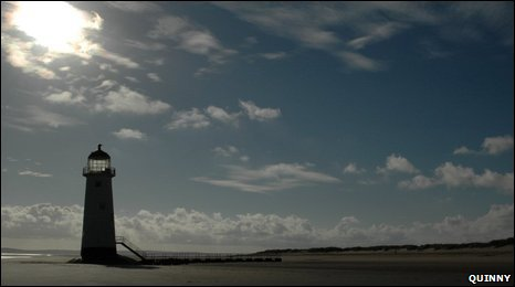 Talacre Lighthouse by Quinny