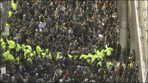 Aerial view of G20 protesters and police