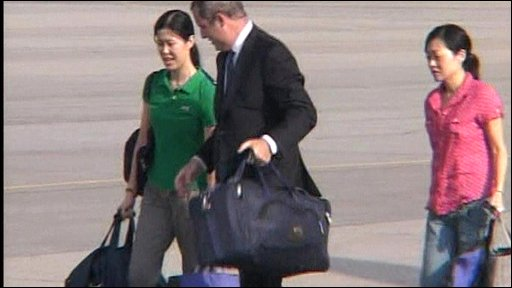 Journalists Laura Ling and Euna Lee board a plane