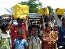 Displaceed Sri Lankan Tamils returning home