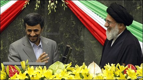 Mahmoud Ahmadinejad (l) at the swearing-in ceremony