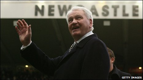 Sir Bobby Robson at St James' Park in 2008
