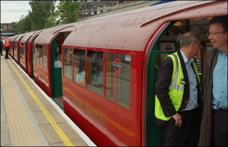 The Heritage Train to mark the 30th anniversary of the Jubilee Line