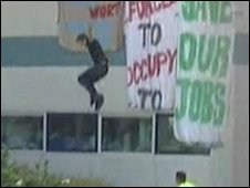Worker jumps from Vestas factory