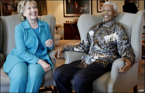 Hillary Clinton meets Nelson Mandela in Johannesburg, 7 August 2009