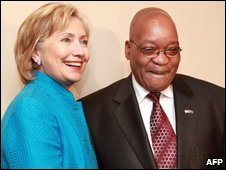 US Secretary of State Hillary Clinton (l) shakes hands with South African President Jacob Zuma
