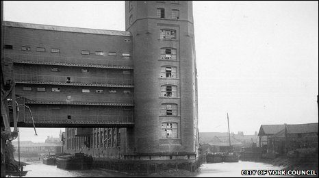 Leethams Mill, circa 1912. Image reproduced courtesy of City of York Council, Archives and Local History Collection