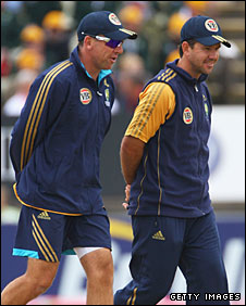 "Australia coach Tim Nielsen, recipient of the e-mail published as Justin Langer's ""dossier"", with captain Ricky Ponting"
