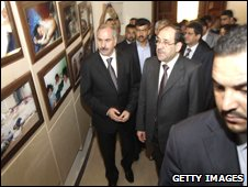 Iraqi Premier Nuri al-Maliki (centre)