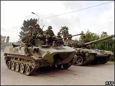 Russian tank drives near the border with Abkhazia on 19 August 2008