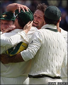 Hilfenhaus is congratulated by his team-mates after taking first wicket of the Ashes