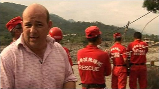 Alastair Leithead with Taiwanese rescue teams