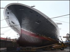 The QE2 in the dry dock in Dubai