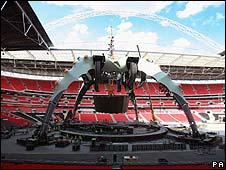 U2's Claw stage