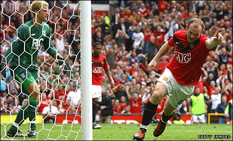 Wayne Rooney scores Manchester United's opener