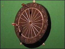 A log-end dart board