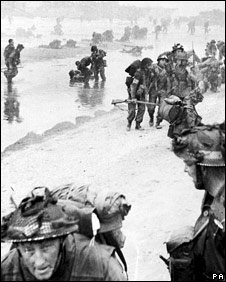 Soldiers at Normandy Landings