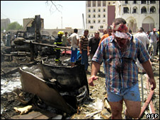 Aftermath of bombing outside Iraqi foreign ministry (19 August 2009)
