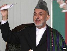 Hamid Karzai votes in Kabul on 20 August 2009