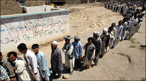 Voters in Herat (20 August 2009)