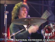 Stuart Cable plays at the National Eisteddfod