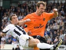 St Mirren's Craig Dargo (left) and Dundee Utd's Andy Webster