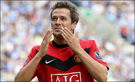 Michael Owen celebrates his first Manchester United goal