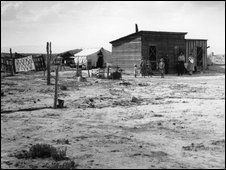 Dustbowl farm in an archive photo from the 1930s